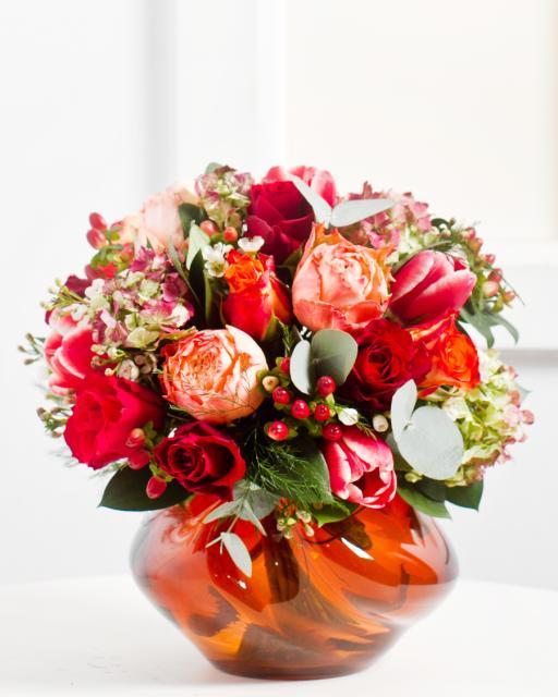 Kiscsokor piros virágokból