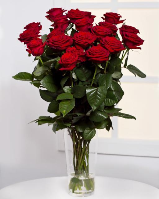 25 szálas vörös rózsacsokor