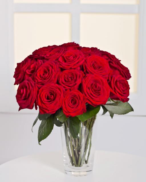 15 szálas vörös rózsacsokor