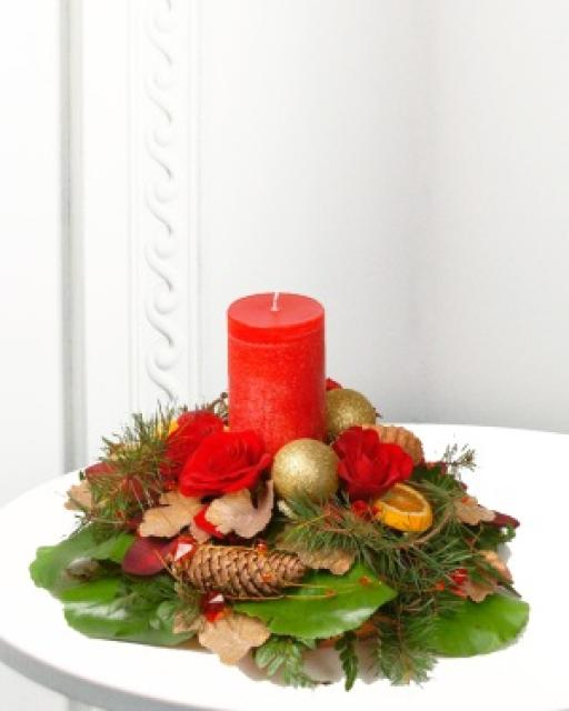 Traditional Christmas Arrangement