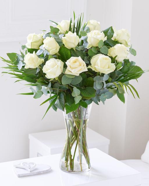 12 szálas fehér rózsacsokor